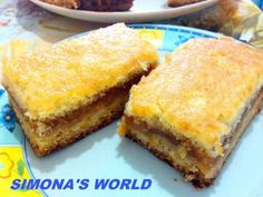 Am mancat jumatate de tava o data. Asa de buna a fost - Cum se face placinta turnata cu mere ⋆ Bensan Romania No Cook Desserts, No Cook Meals, Dessert Recipes, Romanian Desserts, Romanian Food, Menu, Sweet Memories, Cakes And More, Family Meals