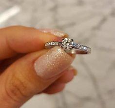 >>>Pandora Jewelry OFF! >>>Visit>> Anel de Noivado Maldivas - Anéis de Noivado é na Reisman! Cute Promise Rings, Cute Rings, Wedding Rings Simple, Beautiful Engagement Rings, Ring Verlobung, Pandora Jewelry, Ring Designs, Fashion Rings, Just In Case