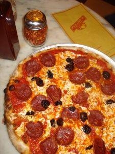 Em julho de 2010 visitei NY com a minha mãe e queria apresentar dois restaurantes que adoro: o Balthazar e o Pastis. http://www.balthazarny.com/– no Soho http://www.pastisny.com/– no Meatpacking District Fomos ao Pastis, mas não conseguimos ir ao Balthazar que estava fechado para almoço por um motivo qualquer. Em substituição seguimos a indicação para conhecer o …