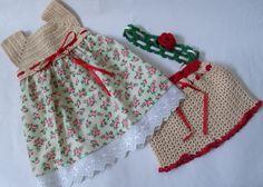 Conjunto para as meninas. <br>Composto de vestido com pala de crochê e saia de tecido, calçola e tiara. <br> <br>Peça única! <br> <br>Tamanho 3 - 6 meses
