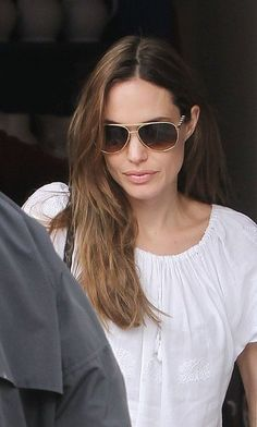 81c21e84bb Angelina Jolie Has a Pottery Play Date With Knox