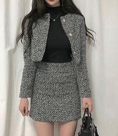 Korean Fashion Trends you can Steal – Designer Fashion Tips Ulzzang Fashion, Kpop Fashion, Asian Fashion, Girl Fashion, Fashion Design, Classy Outfits, Chic Outfits, Fashion Outfits, Fashion Tips