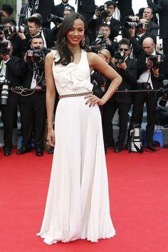 Pin for Later: Julianne Moore regiert auf dem Filmfestival in Cannes Zoe Saldana auf der Grace of Monaco-Premiere Zoe Saldana in Victoria Beckham auf der Eröffungsfeier von Cannes, bei der Premiere von Grace of Monaco.