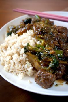 Gardein Beef and Broccoli Stir-Fry w/rice (added MUCH more garlic and it was fantastic) #vegetarian #vegan