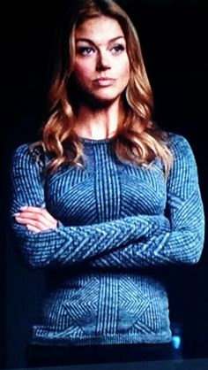 Bobby / Mockingbird from Agents of Shield season finale has the most excellent sweater. I want one. Maybe I could knit it.