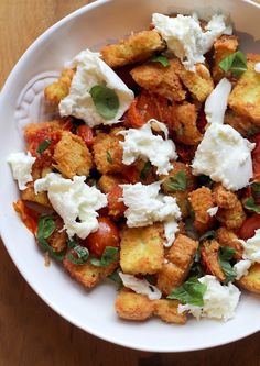 Culy Homemade: panzanella caprese salade My Favorite Food, Favorite Recipes, Good Food, Yummy Food, Other Recipes, Food For Thought, Italian Recipes, Food Inspiration, Lunches