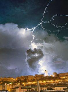 Demonic Lightning Storms | Scary lightning streaks strike awe over Sardinia