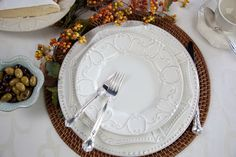 Skyros- Isabella dinnerware Schomburgs Jewelers
