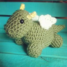 Baby Dragon! i so gotta make this little guy =)