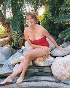 Jane Seymour Lady Jane Seymour, Roger Moore, Foot Pictures, British Actresses, Celebrities, Sexy, Image, Beauty