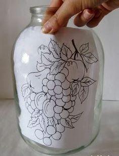 6 Ideas para decorar frascos de vidrio y hacer lindas manualidades Painted Wine Bottles, Painted Jars, Painted Wine Glasses, Bottles And Jars, Glass Jars, Glass Bottle Crafts, Bottle Art, Diy Lampe, Glass Painting Designs
