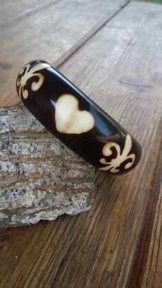 Bangle bracelet Fleur de lis jewelry heart jewelry acrylic bangle brown bracelet DK292 - pinned by pin4etsy.com
