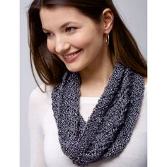 Knit this quick and easy Spiral Cowl with just 1 ball of Patons Metallic