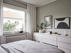 Välskött 1950-talsvilla med underbar trädgård nära Härlanda tjärn - Stadshem Interior Inspiration, Bed, House, Furniture, Home Decor, Decoration Home, Stream Bed, Home, Room Decor