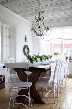 Classic Style: Chandelier