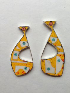 Shape and colour and material. Enamel and silver ? © tod pardon 2013