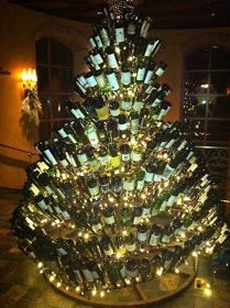 Classic... with a twist: Wine Bottle Holiday Decor!