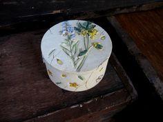 Wildflower Box - Ceramic Box - Floral Box - Flower Box - Vintage Box - Trinket Box - Jewellery Box - Keepsake Box - Jewelery Box by MissieMooVintageRoom on Etsy