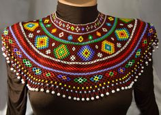 by NakaHandMadeShop on Etsy Bead Jewellery, Beaded Jewelry, Jewelry Necklaces, Beaded Necklace, Unique Jewelry, Afro, Embroidery Dress, Beading Tutorials, Collar Necklace