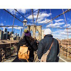 Walking across the Brooklyn bridge ✨#iphonephotography #iphoneography #iphonography  #newyorkcity #olloclip #brooklynbridge #peopleinnyc #newyork