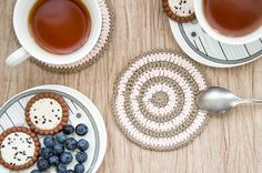 Crochet coasters, round beige and pink egyptian cotton coaster set