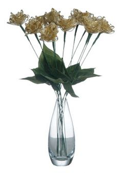 Golden anniversary roses, perfect to send to your parents or grandparents. More golden ideas http://www.anniversary-gifts-by-year.com/golden-anniversary-gifts.html