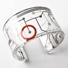 circuit board jewelry by Paola Mirai