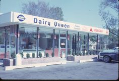 dairy queen. Cream Restaurant, Vintage Restaurant, Sweet Memories, Childhood Memories, Vintage Advertisements, Vintage Ads, Greasers And Socs, Nostalgic Images, Diner Recipes