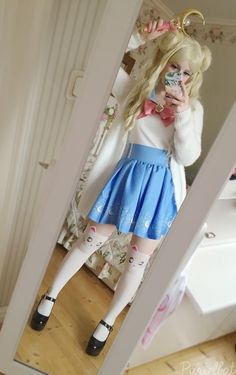fashion ✧ kawaii, the TOP of the skirt.P pastelbat - COSPLAY IS BAEEE! Tap the pin now to grab yourself some BAE Cosplay leggings and shirts! From super hero fitness leggings, super hero fitness shirts, and so much more that wil make you say YASSS! Sailor Moon Cosplay, Sailor Moon S, Sailor Moon Clothes, Sailor Moon Makeup, Sailor Moon Outfit, Cosplay Casual, Cosplay Outfits, Cosplay Girls, Cosplay Costumes