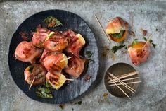 Probiere Rohschinken-Aprikosen Päckli jetzt bei FOOBY. Oder entdecke weitere feine Rezepte aus unserer Kategorie . Brie, Tandoori Chicken, Shrimp, Grains, Meat, Ethnic Recipes, Food, Ham, New Recipes