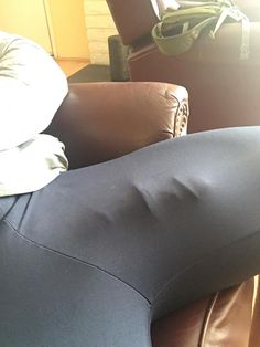 21. Who wants to watch me cum : Bulges