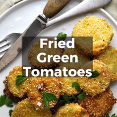 Crispy on the outside and tender in the middle, these Fried Green Tomatoes are addictive! Serve them as an easy appetizer, a party snack or make them the main attraction piled high on a BLT! Fried Green Tomatoes Recipe Easy, Green Tomato Recipes, Fried Tomatoes, Green Tomato Casserole Recipe, Vegetable Dishes, Vegetable Recipes, Healthy Low Carb Dinners, Bon Dessert, Keto Crockpot Recipes