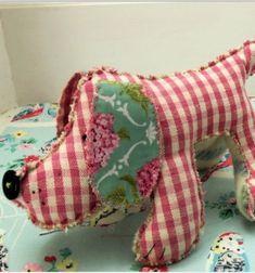 Humphrey the Hound - DIY soft toy for kids ( free sewing pattern ) // Humphrey - egyszerű textil kutya plüssjáték (ingyenes szabásminta) // Mindy - craft tutorial collection // #crafts #DIY #craftTutorial #tutorial