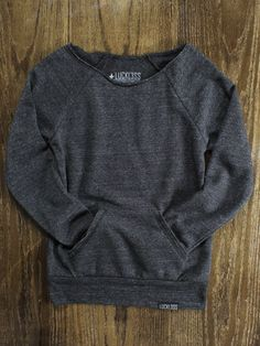 A raw-edge, off-the-shoulder neckline and kangaroo front pocket give this cozy sweatshirt its vintage-inspired appeal. Made of our natural fleece alternative, it's the perfect way to stay warm in style.  Made completely from 30's Eco Fleece: [50% Polyester (6.25% Recycled), 46% Cotton (6.25% Or...
