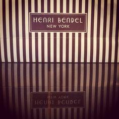 Just bout some accessories at Henri Bendel !  this is amaziiiiiiiiinnnnnnggggg ... #fashion #shopping #love #me #fashionista #gossipgirl #blairwaldorf #henribendel #5avenue #nyc #newyork #usa #cute #beautiful #tags4likes #like4like #pic #picoftheday #apple #landscape #happy #happyday #day #chair #girl #manhattan #beautiful #wonderful #Padgram