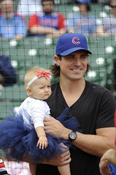 Chicago Blackhawks player Patrick Sharp, 31, is from Winnipeg, Manitoba. Is there anything cuter than a sexy dad holding his baby girl? He was also on the cover of Chicago magazines 50 Most Beautiful Chicagoans issue in 2011.