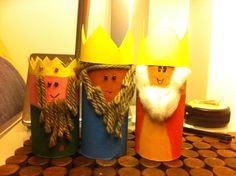 Os três reis Magos material reciclado Reyes, Table Lamp, Paper, Home Decor, Recycled Materials, Good Ideas, Crafts, School, Xmas
