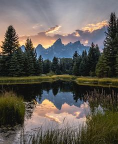 Sunset, Rays, and Reflections at Grand Teton National Park - WY Grand Teton National Park, National Parks, Beautiful World, Beautiful Images, Landscape Photography, Nature Photography, Photography Women, Natur Tattoos, Photos Voyages