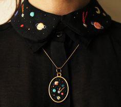 Вышивка планеты космос чёрное рубашка воротничок