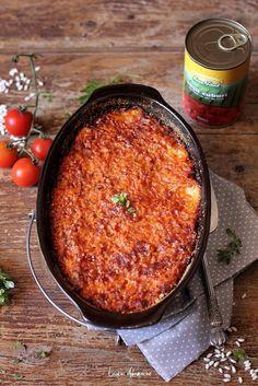 Orez cu sos de rosii cuburi si mozzarella detaliu Rice Recipes, Baby Food Recipes, Cooking Recipes, Yami Yami, Romanian Food, Chana Masala, Food To Make, Chili, Food And Drink