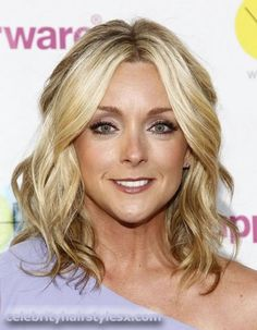 Jane Krakowski as Snow's aunt in First You Get Hurt, Then You Get Close