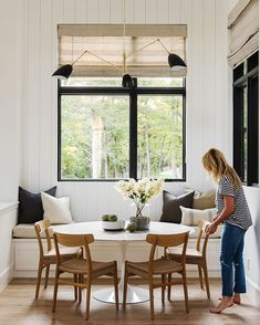 Dining room furniture ideas that are going to be one of the best dining room design sets of the year! Get inspired by these dining room lighting and furniture ideas! Dining Nook, Dining Room Design, Nook Table, Dining Room Bench, Dining Room Furniture, Furniture Ideas, Furniture Design, Kitchen Nook, Home Decor Kitchen