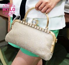 KODE : MC1120  WARNA Gold, BLACK, Silver  SIZE 28x22cm  HARGA 255rb FULL PERMATA DEPAN-BELAKANG DOUBLE HANDLE FOTO REAL PIC FREE TALI PANJANG RANTAI KUALITAS IMPORT HIGH QUALITY PEMESANAN VIA SMS N WA 081558283656 PIN BB 5BB0B948 IG @Myloboutique