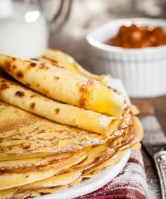 These lovely thin Paleo Crepes are light tasty and easy to whip together. Contain arrowroot powder. Healthy Recipes, Gluten Free Recipes, Real Food Recipes, Cooking Recipes, Paleo Dessert, Paleo Breakfast, Breakfast Recipes, Breakfast Salad, Vegan Steak