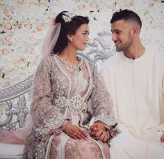Find images and videos about love, couple and wedding on We Heart It - the app to get lost in what you love. Cheap Bridal Dresses, Long Wedding Dresses, Elegant Wedding Dress, Wedding Dress Styles, Bridal Gowns, Morrocan Dress, Moroccan Bride, Moroccan Wedding, Arab Wedding