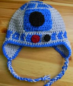 Nesting Sticks: Crocheted Earflap Hat {Pattern} child size, but soooo adorable! Crochet Kids Hats, Crochet Beanie, Knit Or Crochet, Cute Crochet, Crochet Crafts, Crochet Projects, Knitted Hats, Easy Crochet, Craft Projects