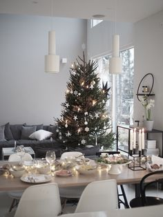 most charming small christmas decor ideas 32 ~ my. Christmas Feeling, Christmas Interiors, Farmhouse Christmas Decor, Noel Christmas, Modern Christmas, Scandinavian Christmas, Winter Christmas, Holiday Decor, Christmas Music