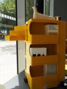 Original Edition Joe Colombo Boby Trolley in yellow Museum Shop, Uk Homes, Space Age, Fruit And Veg, Design Museum, My Room, Colorful Interiors, Beautiful Homes, Organize