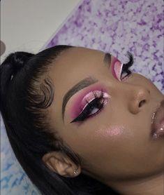 Glitter Makeup Looks, Pink Eyeshadow Look, Makeup Eye Looks, Creative Makeup Looks, Pretty Makeup, Gorgeous Makeup, Makeup For Black Skin, Black Girl Makeup, Pink Makeup
