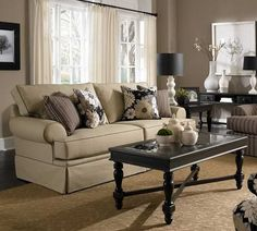 Emily 6262 Sofa Collection | Broyhill
